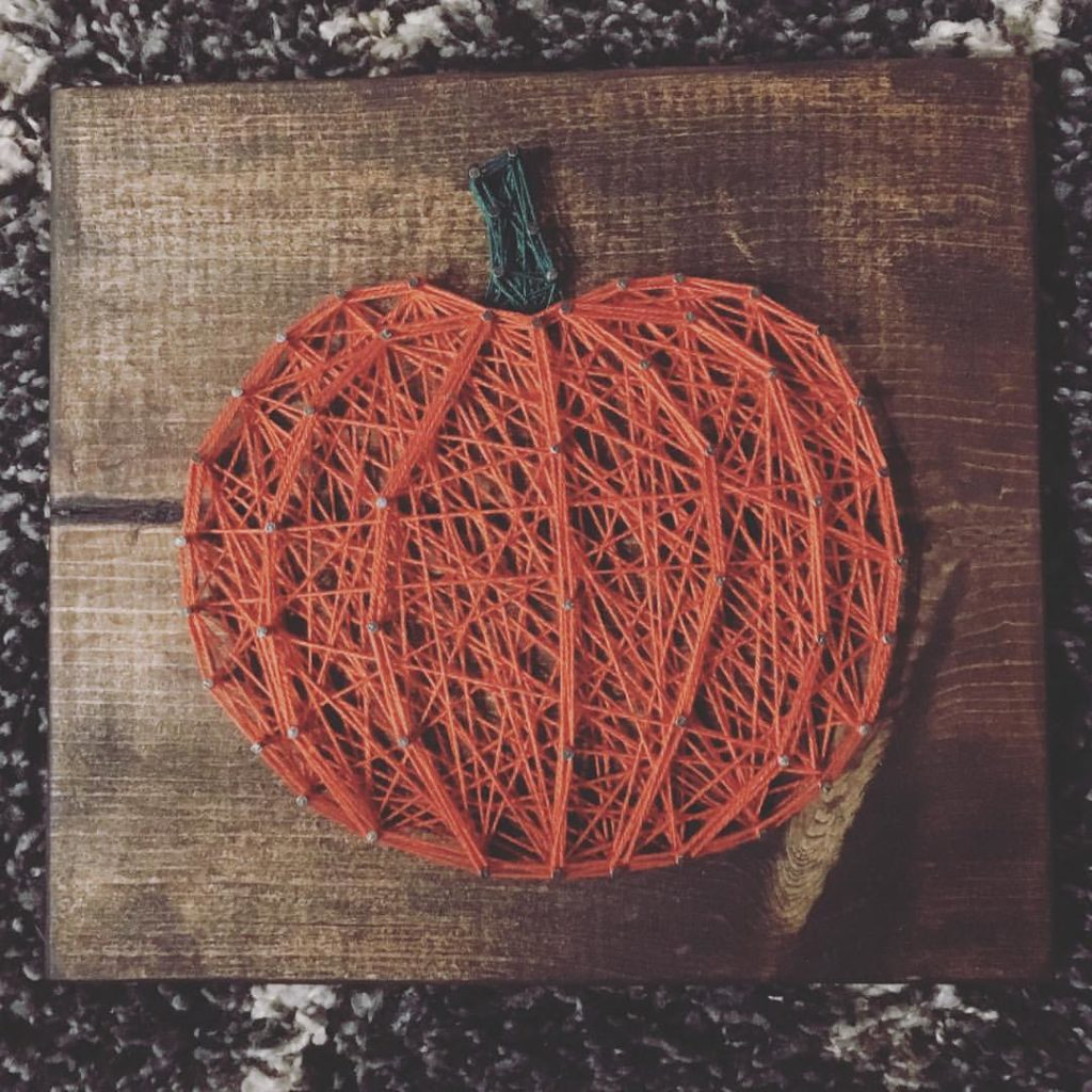 Thursday, October 4: String Art with the Knotty Nail